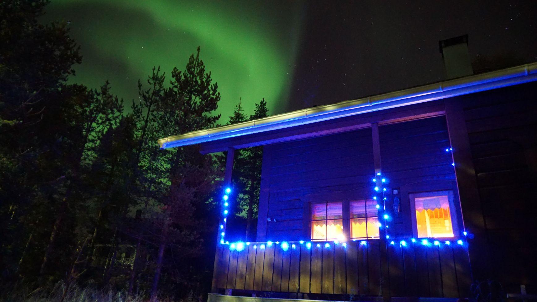 Kieppi Chalet under Aurora Borealis